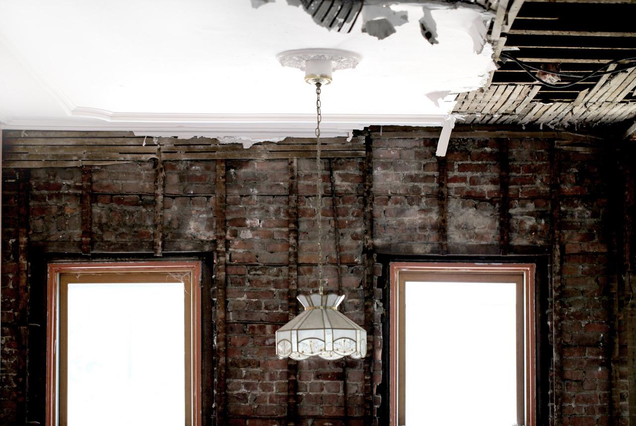 wall-stick-lamp